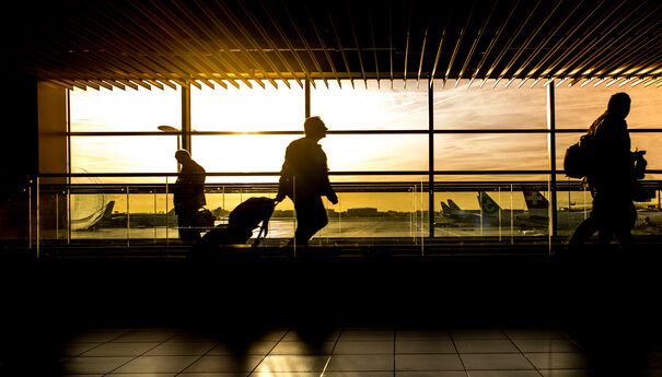 Airpots and Social Distancing. What should you expect when you travel?